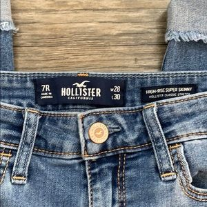 Hollister Jeans - Hollister High-Rise Supper Skinny Distressed Jeans